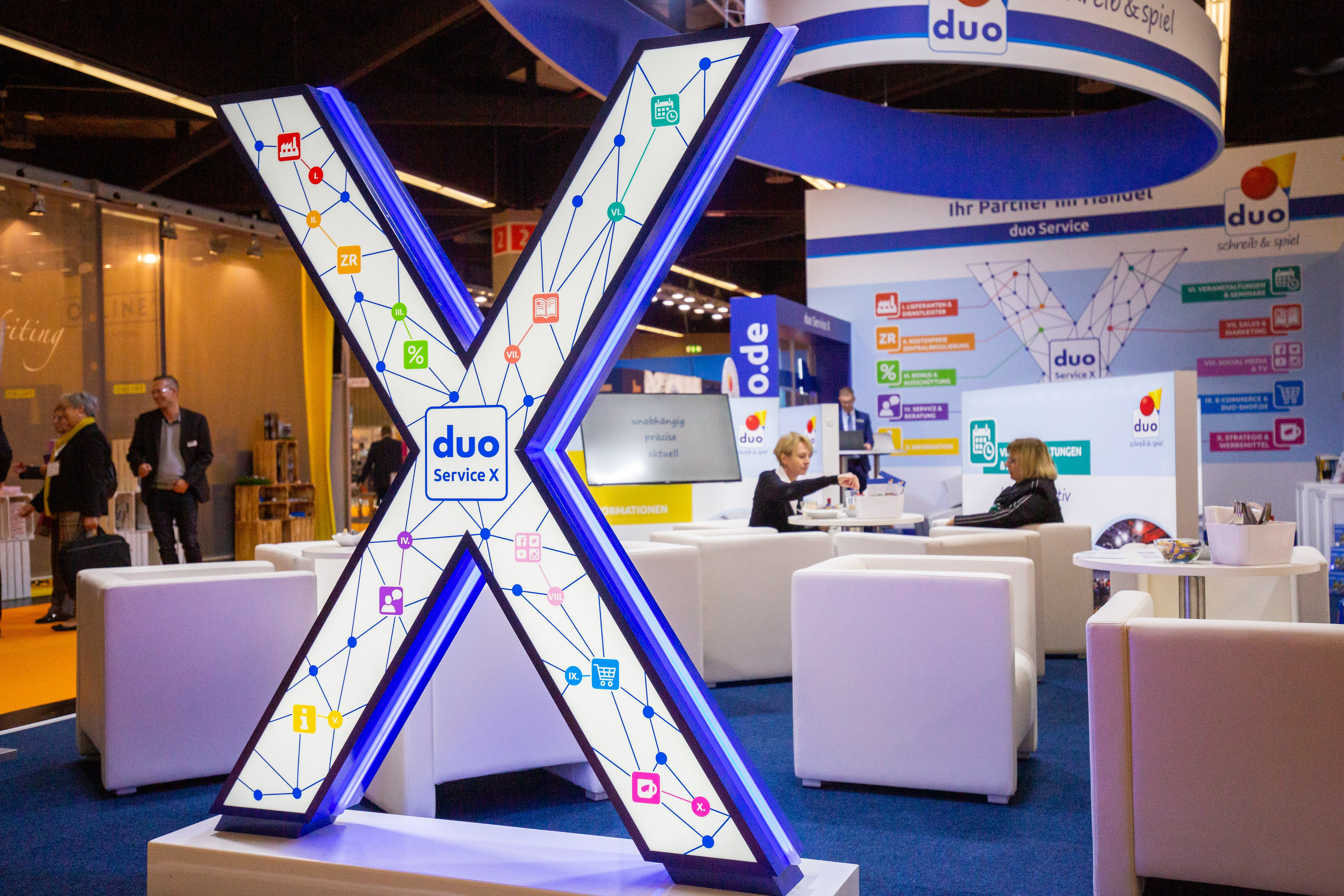 Insights-X 2019 booth duo